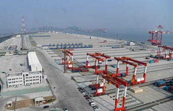 China's biggest automated cargo wharf to start operation by end of 2017