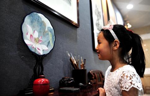 2017 folk arts expo kicks off in Shanghai