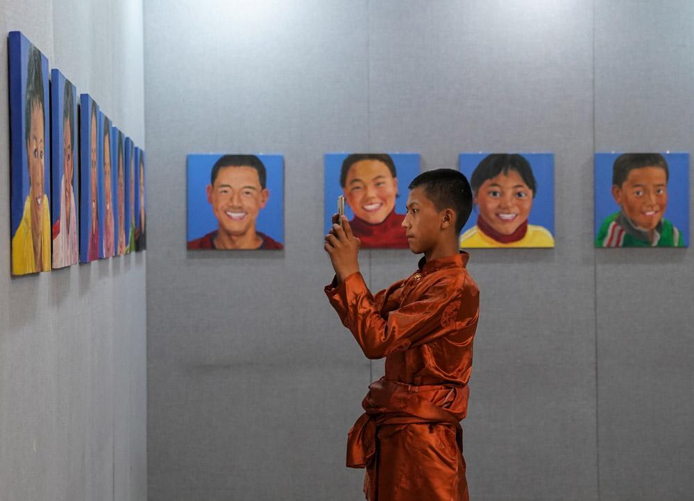"""""""梦回高原""""188bet怎么样班师生美术作品在京展出"""