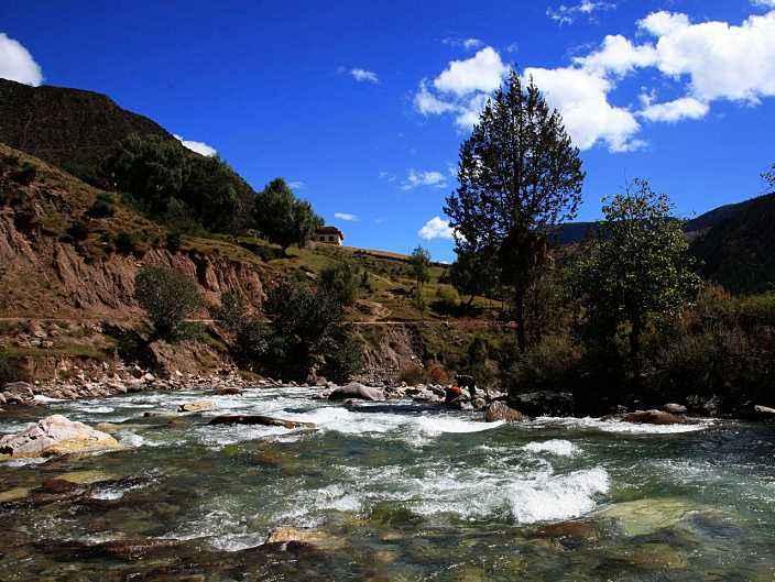 福建省第八批援藏工作队发动各界开展公益活动扫描