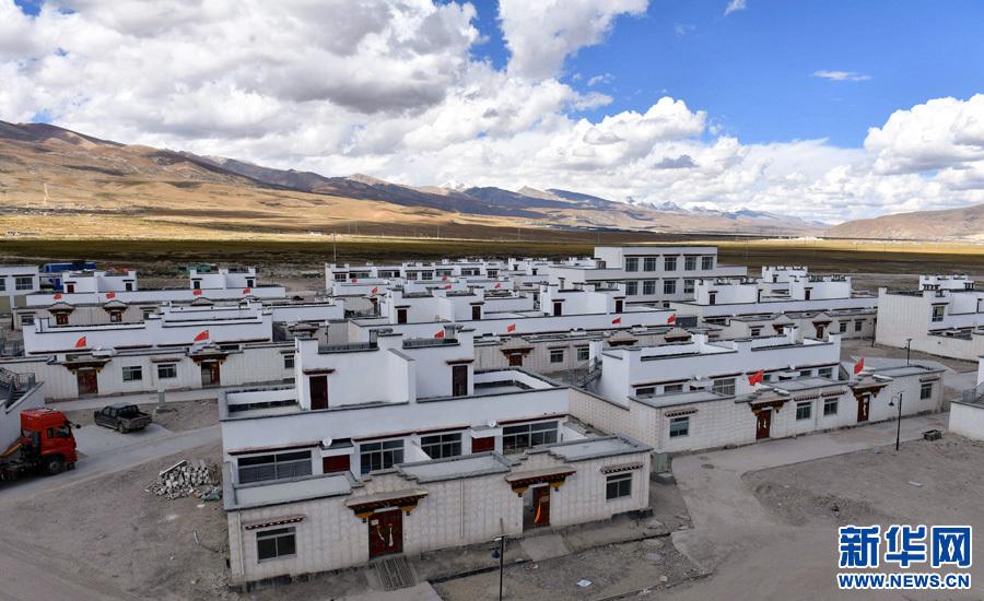 西藏:150戶貧困風濕病患者搬進羊八井溫泉區