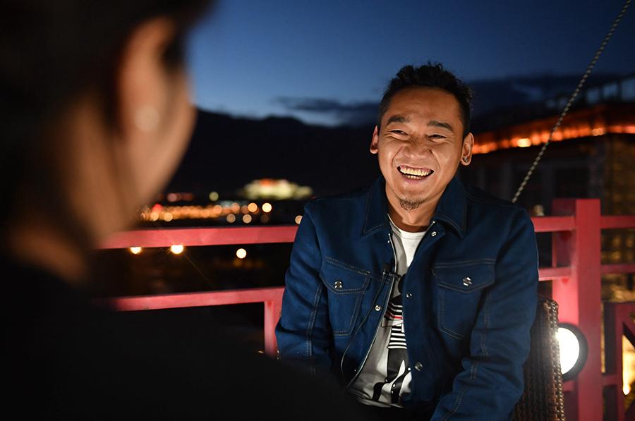 用西藏元素演繹《中國新歌聲》——對話冠軍扎西平措