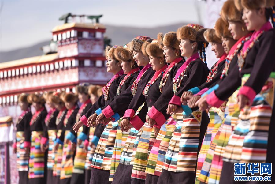 西藏:2017扎囊氆氌文化節開幕
