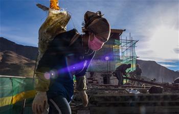 西藏第一座宮殿——雍布拉康進行維修保護