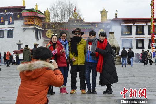"""西藏旅遊進入""""快行慢遊""""時代"""