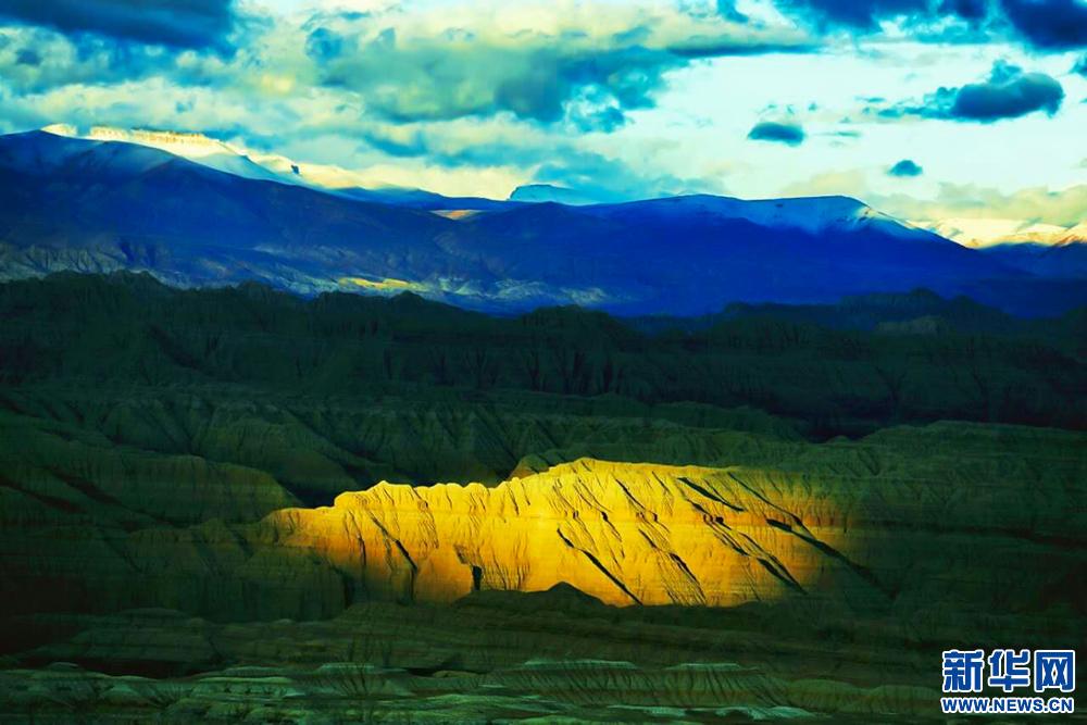 【新時代·幸福美麗新邊疆】與西藏阿裏親密接觸不再遙遠