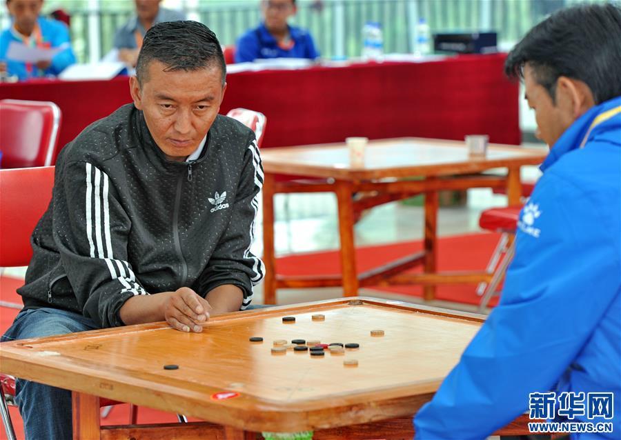 藏式臺球——吉韌比賽在拉薩舉行