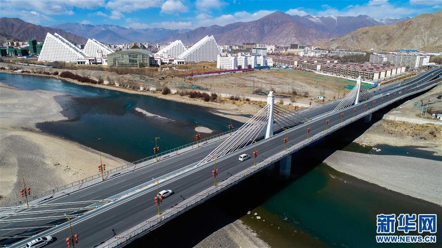 西藏立体交通网络展新颜(图)