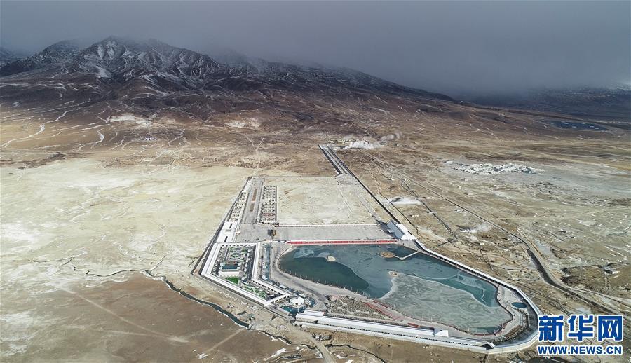 冬游西藏:泡在温泉里看雪山(图)