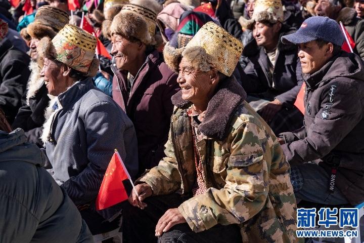 海关总署赴西藏日喀则开展慰问活动(图)