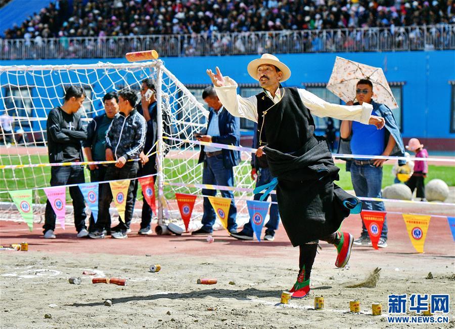 西藏山南:農牧民賽場展風採(圖)