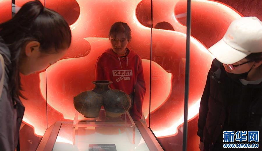 《歷史的見證》文物展在布達拉宮珍寶館展出(圖)