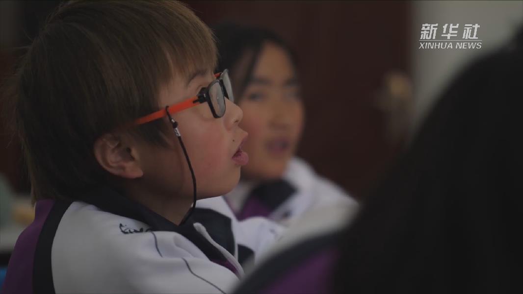 【微視頻】西藏視障兒童有了人工智能小幫手