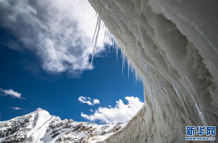 美麗廓瓊崗日冰川(圖)