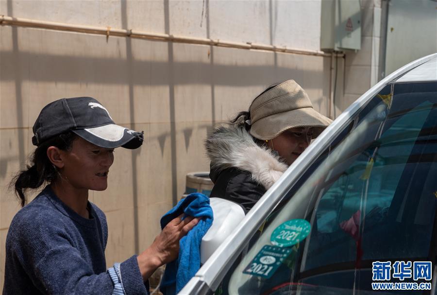 """""""打工妹""""變""""女老板""""——藏北牧民桑旦康珠的創業致富路"""