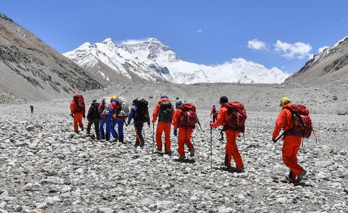 【微視頻】2020珠峰高程測量丨登山隊再次向珠峰發起挑戰