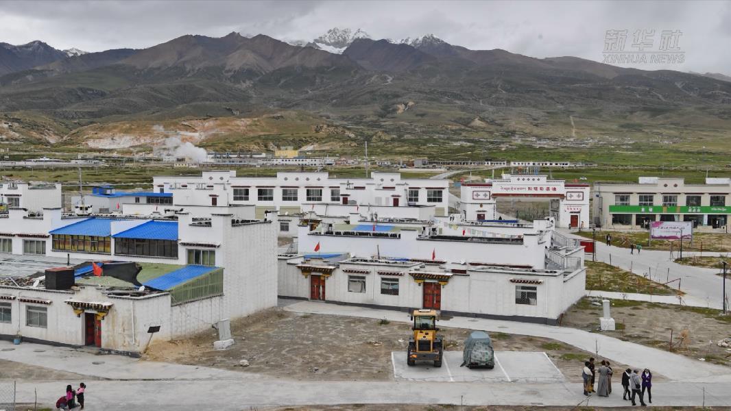 【微視頻】西藏當雄:易地搬遷群眾奔小康
