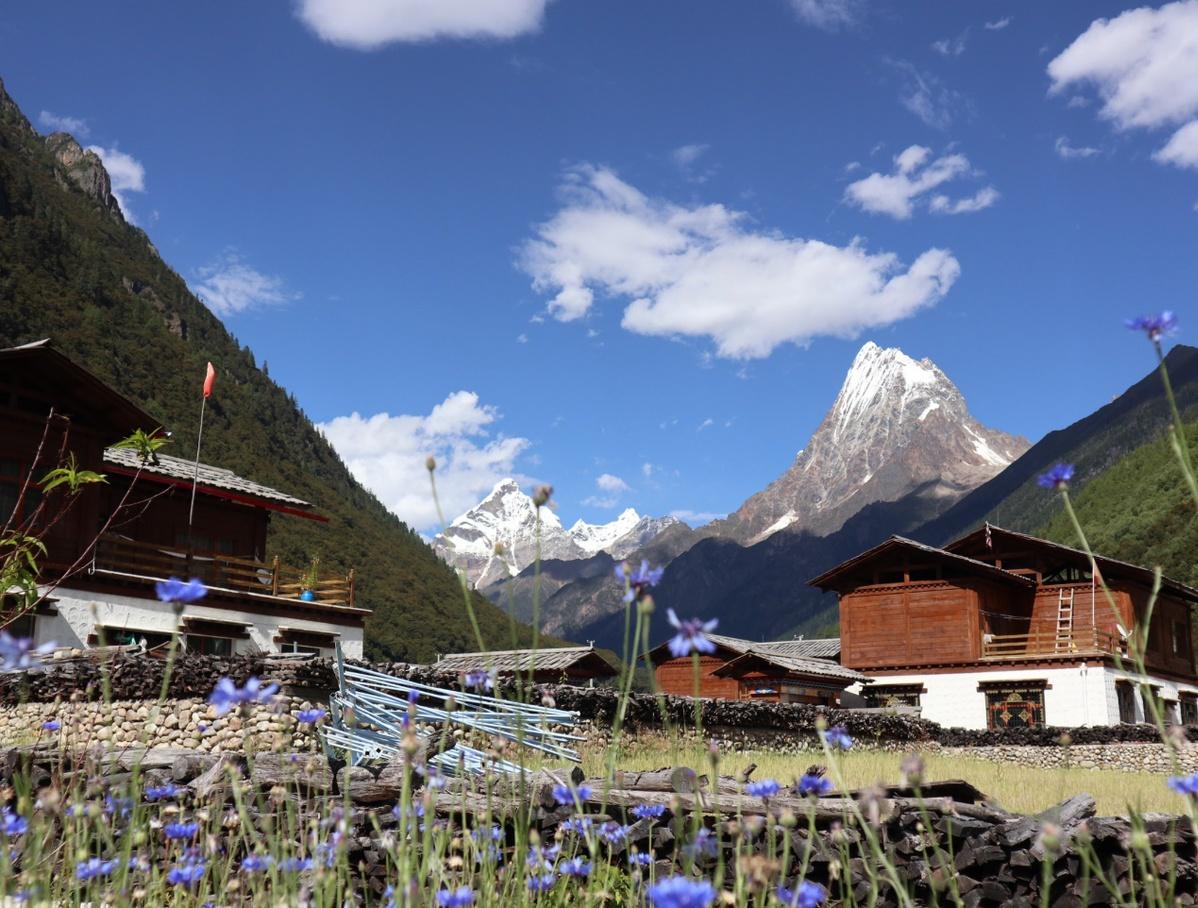 """西藏結巴村""""觀景民宿""""增收致富"""