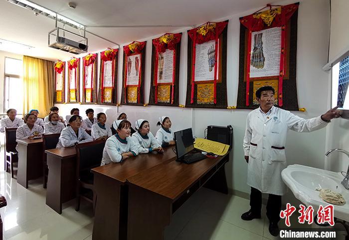 西藏藏醫藥專家:傳承創新藏醫藥信心更堅定
