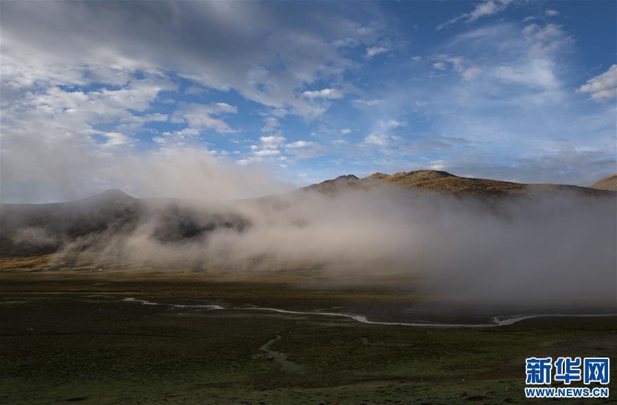 西藏:邦達草原的清晨(圖)