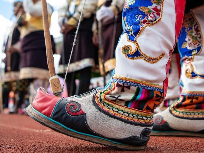 西藏林芝:射響箭 過新年