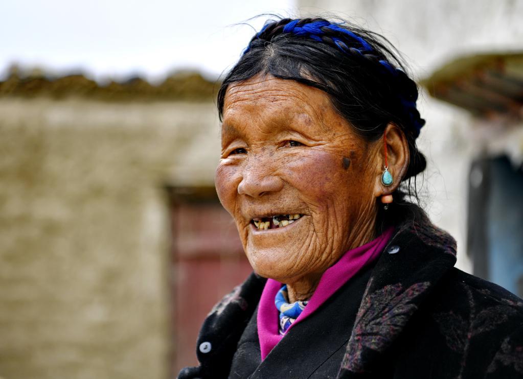 苦難和新生——西藏翻身農奴影像檔案:拉巴